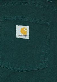 Carhartt WIP - NEWEL PANT ALTOONA - Broek - dark green - 9