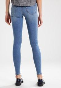 Vila - VICOMMIT - Jeans Skinny Fit - medium blue denim - 2