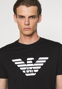 Emporio Armani - Print T-shirt - nero - 4