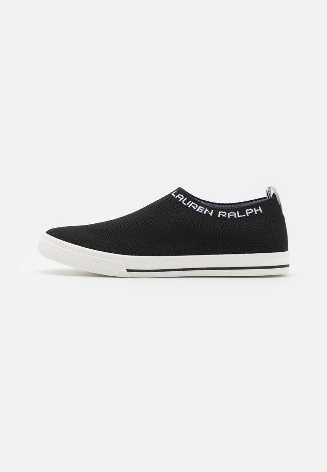 JORDYN - Nazouvací boty - black