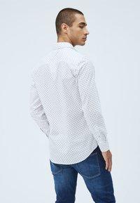 Pepe Jeans - EDMONTON - Skjorta - blanco - 2