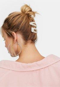 Stradivarius - 2 SET  - Hair styling accessory - white - 1