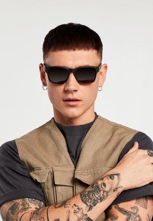 CORE POLAR - Sunglasses - black
