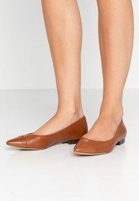 Lauren Ralph Lauren - HALENA - Ballet pumps - deep saddle tan - 0