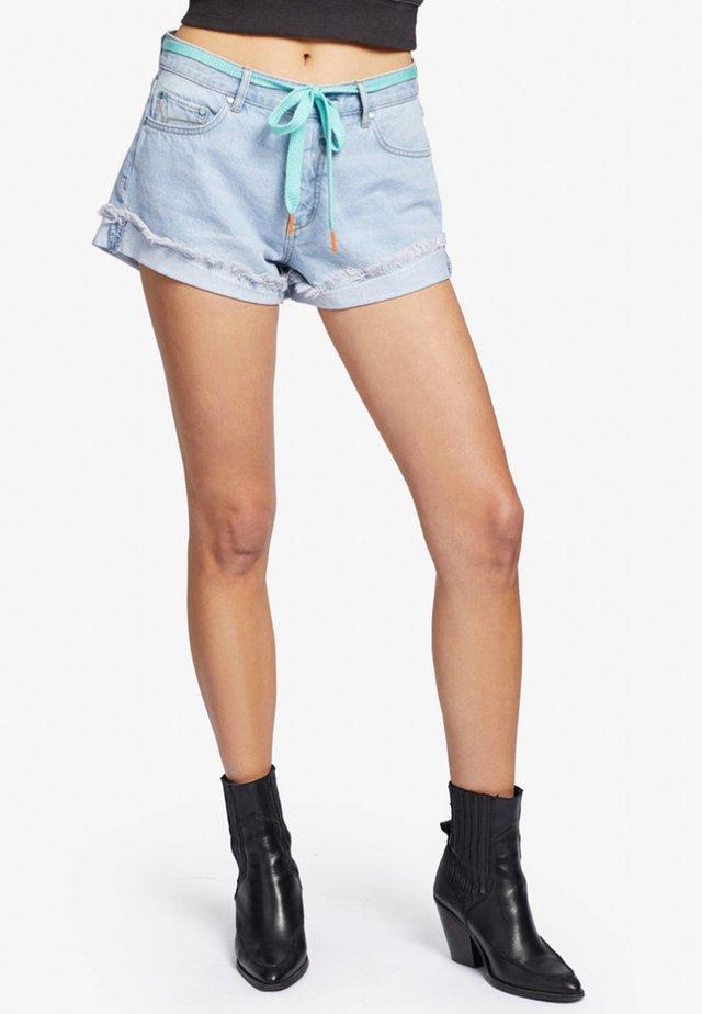 ADELHEID - Shorts di jeans - blue denim