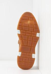 Billi Bi - Scarpe senza lacci - dark beige - 6