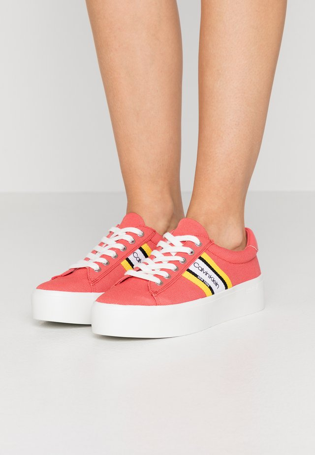 JINJER - Trainers - coral