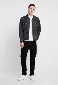 Levi's® - SLIM CREWNECK 2 PACK - Långärmad tröja - white/black - 1