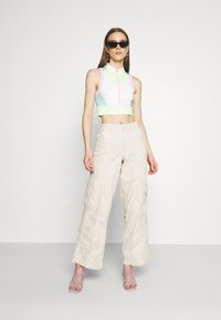 BDG Urban Outfitters - 90S PANT - Cargobukse - stone - 1