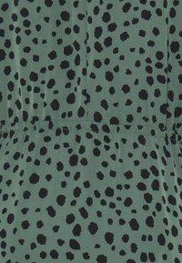 ONLY - ONLJENNA HIGHNECK SHORT DRESS - Kjole - chinois green/black - 2