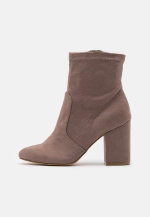 RAPIDD - High heeled ankle boots - grey