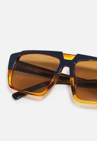 MCM - UNISEX - Sunglasses - blue/orange - 4