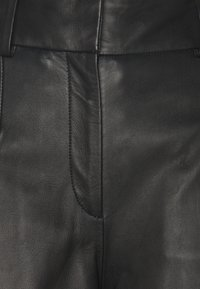 IVY & OAK - CULOTTE - Leather trousers - black - 2