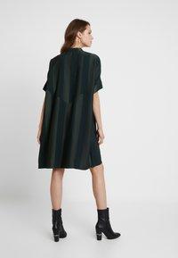 Selected Femme - SLFVIOLA OVERSIZE DRESS - Shirt dress - scarab - 3