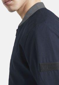 TOM TAILOR DENIM - Bomber Jacket - sky captain blue - 6