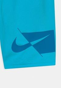 Nike Performance - PLUS - Sports shorts - chlorine blue/imperial blue - 2