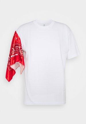 UNISEX BANDANA SLEEVE TEE - T-shirts med print - white