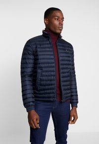 Tommy Hilfiger - CORE PACKABLE JACKET - Down jacket - sky captain - 0