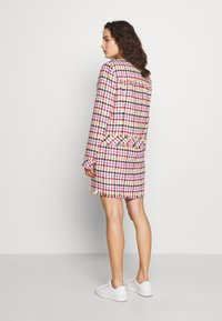 KARL LAGERFELD - HOUNDSTOOTH BOUCLE JACKET - Blazer - pink - 2