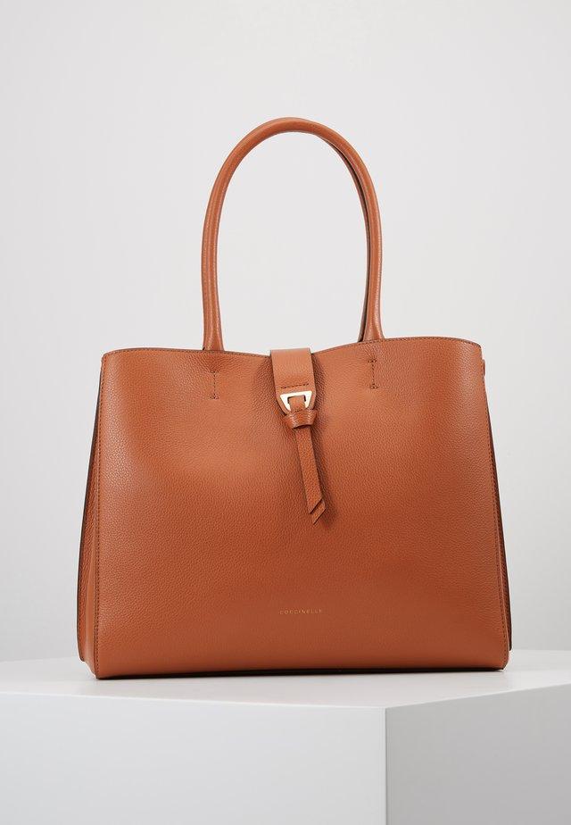 ALBA KNOT CLASP - Shopping Bag - tan