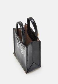 N°21 - NANO - Across body bag - black - 2