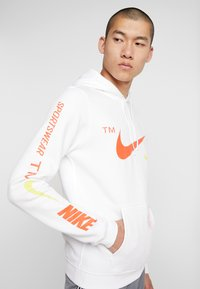 Nike Sportswear - CLUB HOODIE - Hættetrøjer - white - 5