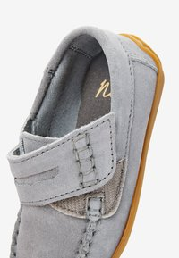 Next - GREY LEATHER PENNY LOAFERS (YOUNGER) - Moccasins - grey - 4
