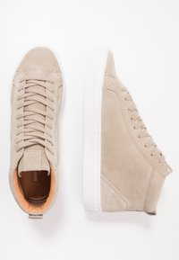 Shoe The Bear - HOLMES - High-top trainers - sand - 1
