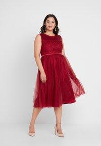 Swing Curve - DRESS - Koktejlové šaty/ šaty na párty - rot - 2
