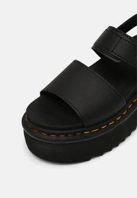 Dr. Martens - VOSS QUAD - Platform sandals - black hydro - 5