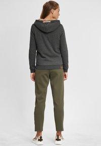 Oxmo - VICKY PILE - Zip-up hoodie - dar grey m - 2