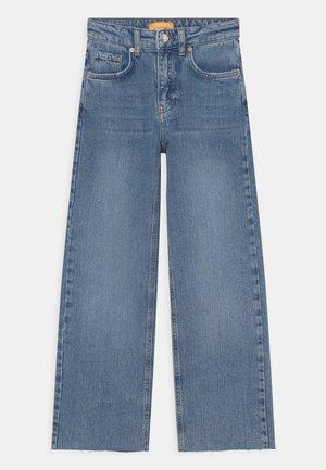 WIDEST - Široké džíny - light blue
