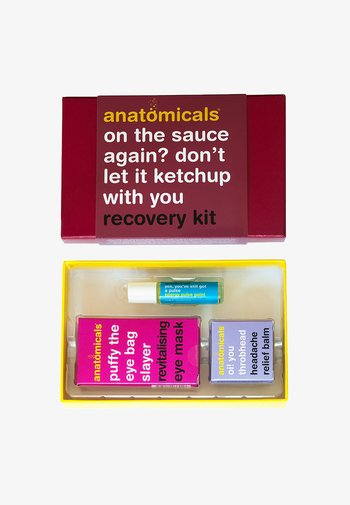 BEEN ON THE SAUCE AGAIN? DON'T LET IT KETCHUP WITH YOU RECOVERY  - Skincare set - neutral