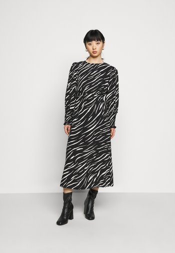 SHIRRED DETAIL ZEBRA MIDI DRESS