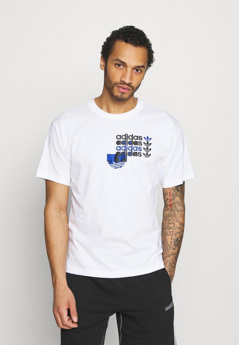 adidas Originals - TEE - T-shirt imprimé - white