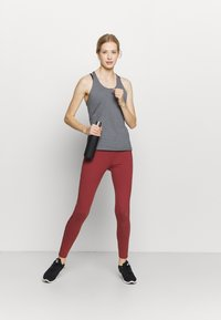 Under Armour - RACER TANK - Camiseta de deporte - pitch gray light heather - 1