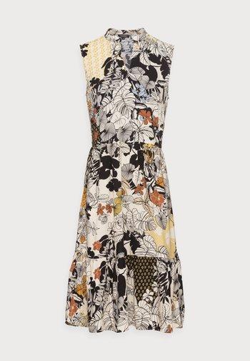 DRESS - Denní šaty - sunny yellow