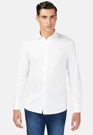 SLIM FIT - Overhemd - white