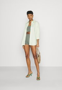 Missguided - TWO TONE CROSS BACK STRAP CYCLING SET - Shorts - mint - 1