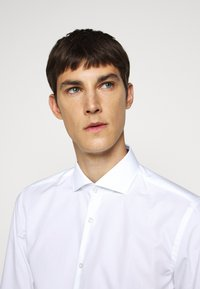 HUGO - KERY - Formal shirt - open white - 3