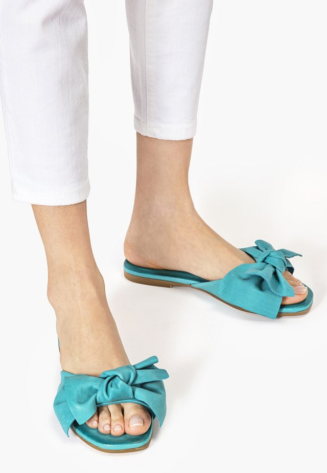 Klapki - turquoise