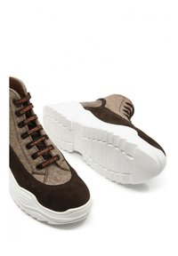 DOMBERS - UNIVERSE - High-top trainers - marrón oscuro - 4