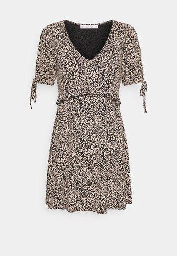 FOCHETTE SMOCK DRESS