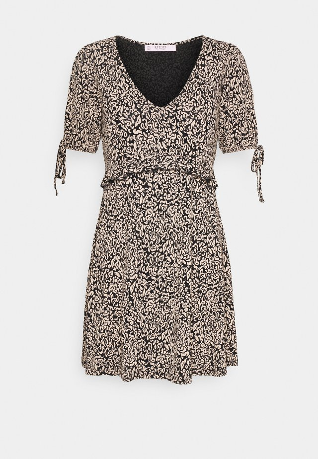 FOCHETTE SMOCK DRESS - Robe en jersey - black pattern