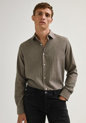 MIT FISCHGRÄTMUSTER - Shirt - brown