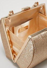 Mascara - Håndveske - gold - 4