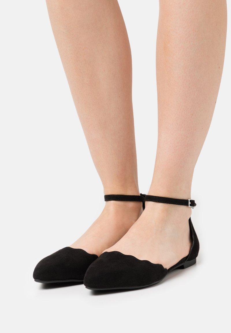Anna Field - Ballerinat nilkkaremmillä - black
