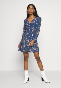 ONLY - ONLCLAIRE SHORT DRESS - Denní šaty - dark denim - 0