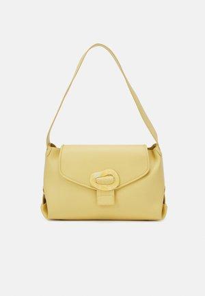 BILLOW - Käsilaukku - pastel yellow