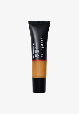 STUDIO SKIN FULL COVERAGE FOUNDATION - Foundation - 3,2